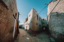 新疆」喀什古城里小街巷-高崖上的高台民居