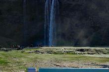 冰岛的水帘瀑布
