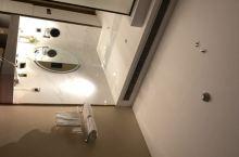 整洁干净舒适大方舒服,特是前台工作人员特别好。