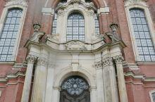 圣米歇尔教堂位于汉堡市中心区域,是北德最美的巴洛克风格的教堂,它建于14世纪,和圣安德列教堂(Cat