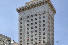 奥克兰市政厅及周围的老地标建筑散发着古典建筑风格的魅力!