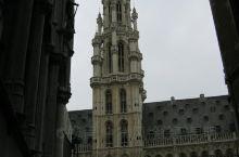 布鲁塞尔市政厅广场,街景以及街头艺术家