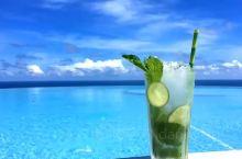 来阳江海陵岛,欣赏美丽的海景,总让人心情舒畅,除了北洛,这个岛上也有另一个网红天际泳池,海陵岛敏捷沐