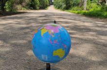 繁华世界,从农村到城市,从高山到湖泊,从小河到大江,一切熟悉又不熟悉!世界很大,可以浓缩在小小的地球
