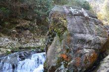 井冈山龙潭景区中的珍珠潭。