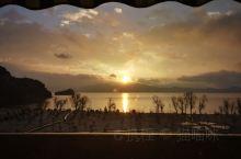 泸沽湖尼赛村的日出