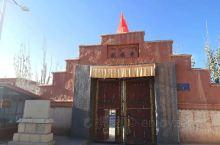 """托林寺是古格王朝鼎盛期于公元996年开始兴建的,""""托林""""意为""""飞翔空中永不坠落""""。 之后的几百年间,"""