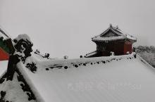 武当山金顶,在大雪中更是仙境奇缘
