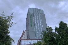 酒店位置特别好,离都江堰景区很近,附近环境也很好,我定的南桥海景房特别好,感谢前台小罗、小张的热情接