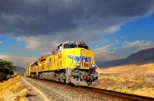 北美第一条横跨大陆的铁路