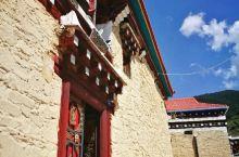 协德乡是位于川西道孚县的藏民居艺术之乡,这里有最美的景色,最淳朴的藏族同胞,更有一个个让人流连忘返的