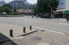 景德镇·江西 马路宽阔,行人匆忙…