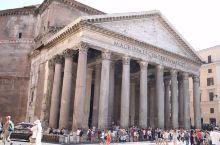 罗马的万神庙,古老的建筑,大气庄重。 万神殿