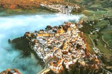 建在悬崖边的白色小镇想私奔就来这里