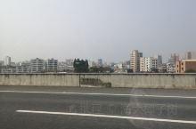 汕湛高速,大车很少,主要路段在山区,开车的感觉非常棒