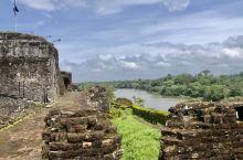 这是在17世纪为阻击加勒比海盗而建的城堡,处在当时唯一连接大西洋和太平洋的圣胡安河上的险要河段。