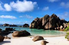 拉迪格岛 Coco beach