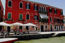 意大利的威尼斯,这个名字对全世界各个国家的人来说都不会陌生的。我从五渔村出来一查沒有直接开往威尼斯的
