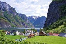 挪威纳柔依峡湾深处的巴卡村和温勒达尔村