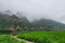 云里雾里的山色