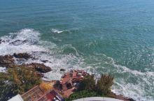 打卡惠州建在海边的礁石酒吧