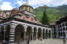 保加利亚山谷中的艺术瑰宝丨里拉修道院