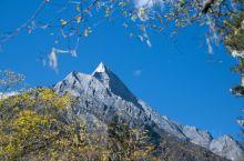 秋日宝藏打卡| 四姑娘山长坪沟骑马走天涯  号称成都周边「小瑞士」的四姑娘山, 可是四川旅游响当当的