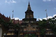 西双版纳傣族自治州是一个神秘的地方,来了还想再来的地方。这里的风景,这里的空气都是那么的好,人是那么