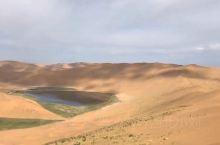 巴丹吉林沙漠滑沙板初体验