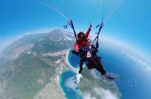 绝美湛蓝大海~费特希耶滑翔伞