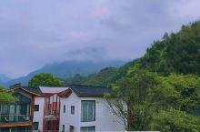 乡村的夏天是关于云的诗句