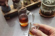 晚间小酌一杯也很有情调,也有助于睡眠。