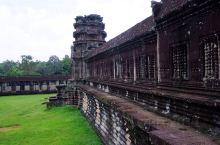 窟已经有好几百年的历史了,是个很大很美的寺庙,来之前一定要做足了功课,才能更好的了解学习这个美丽又有