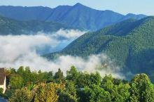 山脊云海上的小山村|木梨硔