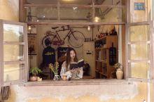 发现一家韩系复古咖啡店