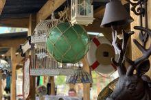 Esk小镇的古董店,Lake Wivenhoe附近的小镇。距昆市士省布里斯班市往西七十多公里。 镇不