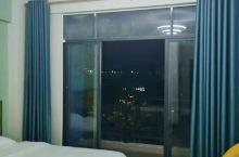 酒店环境很好,干净整洁,服务态度好,价格便宜,值得居住。