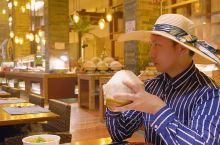 椰青任饮海鲜及小龙虾任食的椰风海韵自助餐