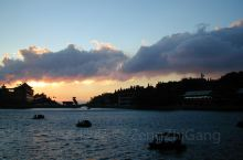 九宫山顶平湖夜幕来临前