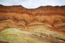媲美秘鲁彩虹山的景色