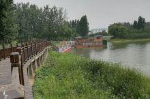 汤河国家湿地公园位于汤阴县城西部,这里是我国北方库塘湿地的典型,是候鸟迁栖的中途栖息地。