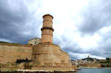 马赛,是法国的重要海边城市,有優良的港口,而其老港口更是古蹟處處,充满舊日情懷,十分值得遊覽,是地中