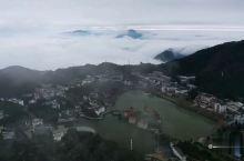 大雾皑皑,水墨画意九宫山。