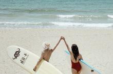 一起冲浪吗