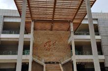 海南省博物馆,位于海南省海口市。海南省博物馆开馆于2008年,是海南省内一座综合性博物馆,也是国家一