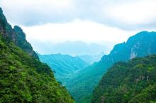 广西的秘密仙境,杜鹃花的盛开之地,这里才有真正的山间画卷!  说起广西的旅游景点,你会想起什么?桂林