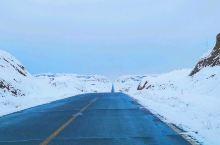 一天如何经历一年四季?来库车一日游就够了。选择的千佛寺和大峡谷,路上下雨,检查站下雪。景区阴天毛毛细