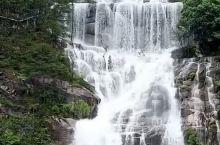 中华第一高瀑天台山瀑布,落差高达325米