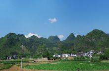兴义万峰林,横看成岭侧成峰,远近高低各不同。
