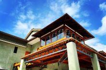 逍遙園(日語:逍遥園 Shoyoen)位在臺灣高雄市新興區中東里,過去是日本佛教淨土真宗本願寺派(西